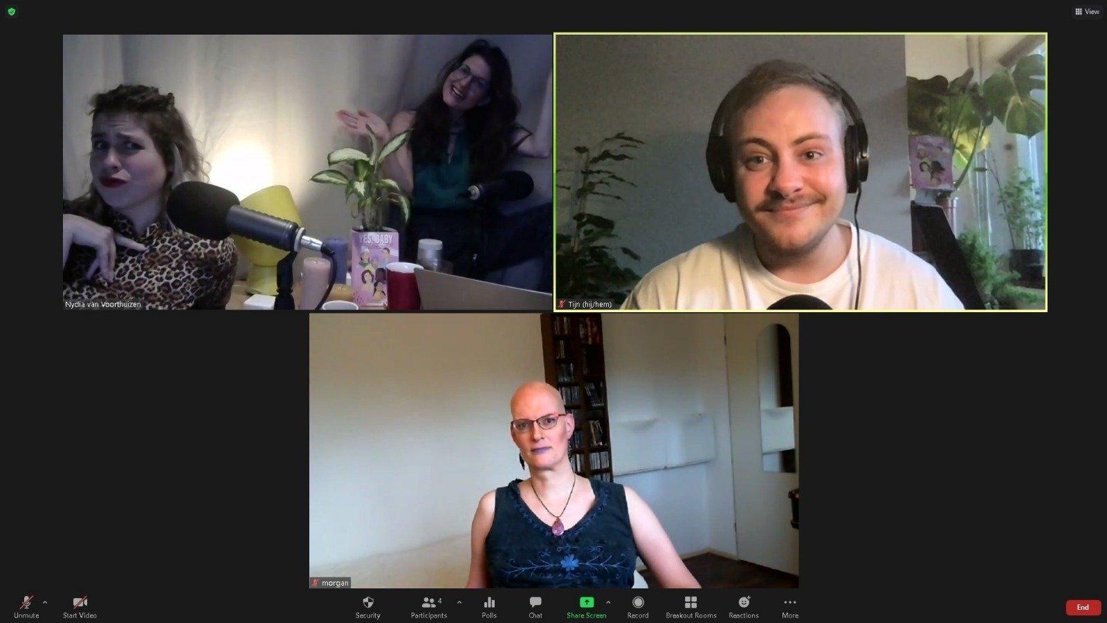 Screenshot met daarin Marie Lotte en Nydia vanuit de thuisstudio, Tijn thuis en Morgan thuis